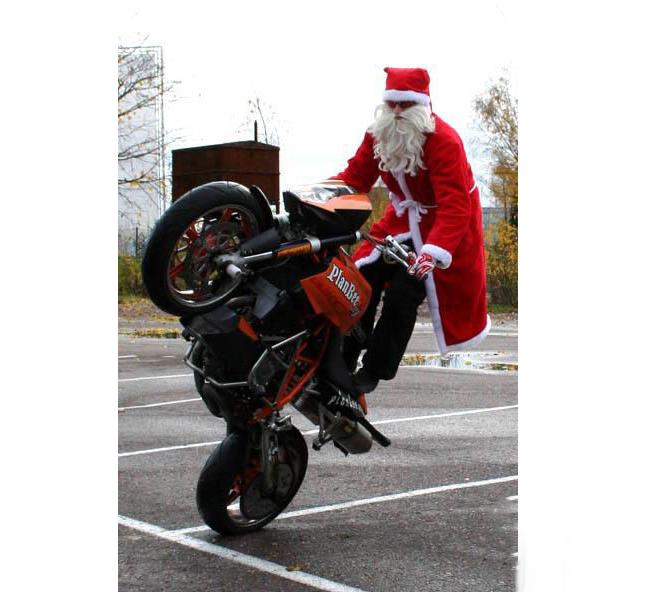 Babbo Natale su una ruota
