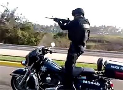 Quando il motociclista è anche un poliziotto..
