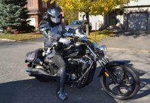 Motociclista mascherato